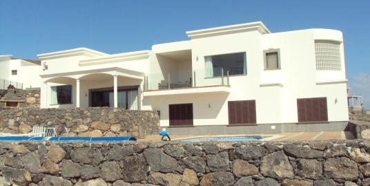 Four Bedroom House in Bella Vista