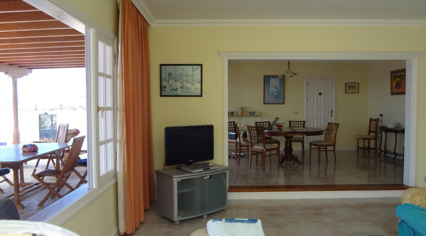 27.-Sitting Room