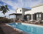 Terrace & Swimmingpool