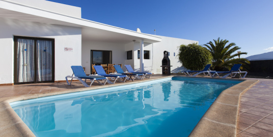 Spacious Detached Villa With Private Pool and Mountain Views