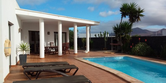 Spacious Detached Villa With Private Pool and Mountain Views – Villas Blancas