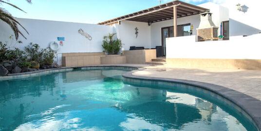 Lovely Villa in El Palomar